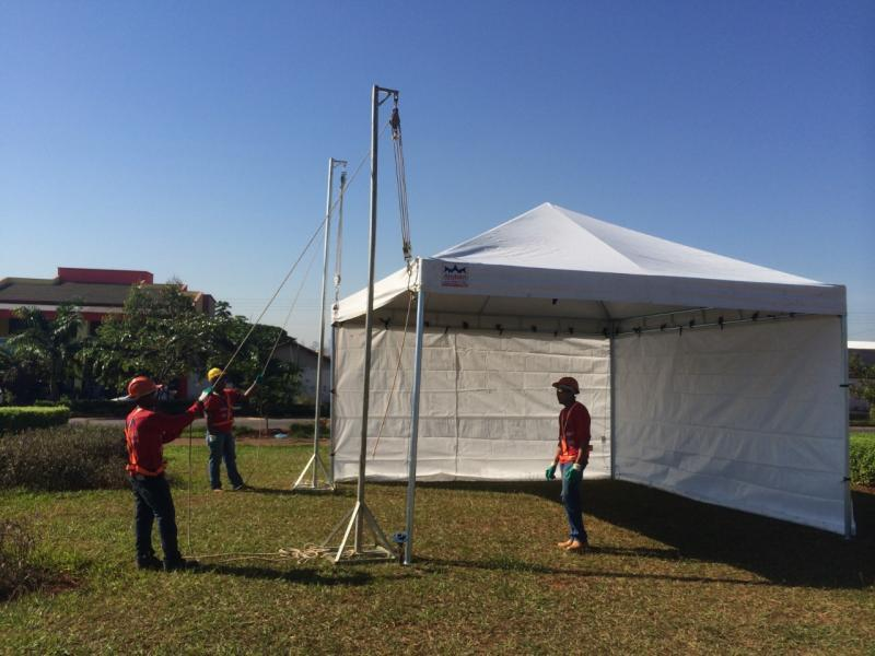 Aluguel de tenda piramidal