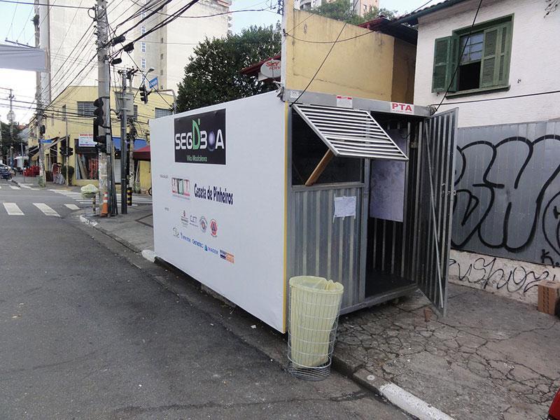 Container para
