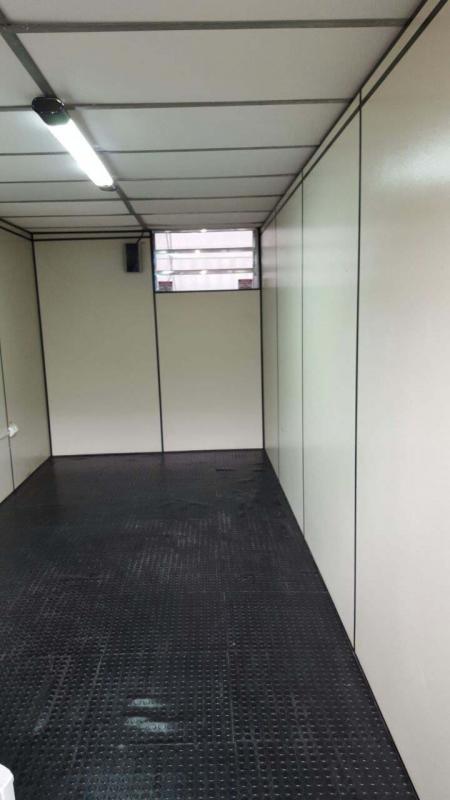Container revestimento interno